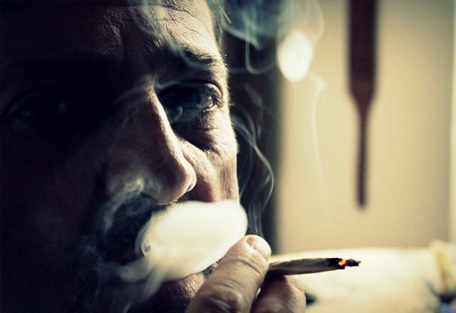 Alito pesante fumatore