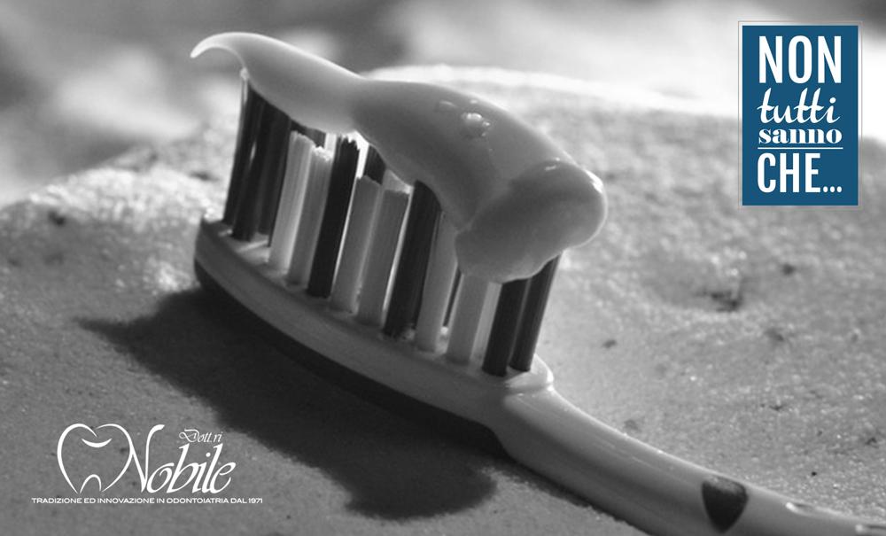 fluoro nel dentifricio